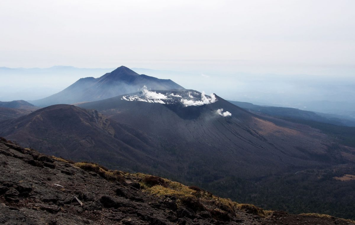 View on the Shinmoedake volcano,