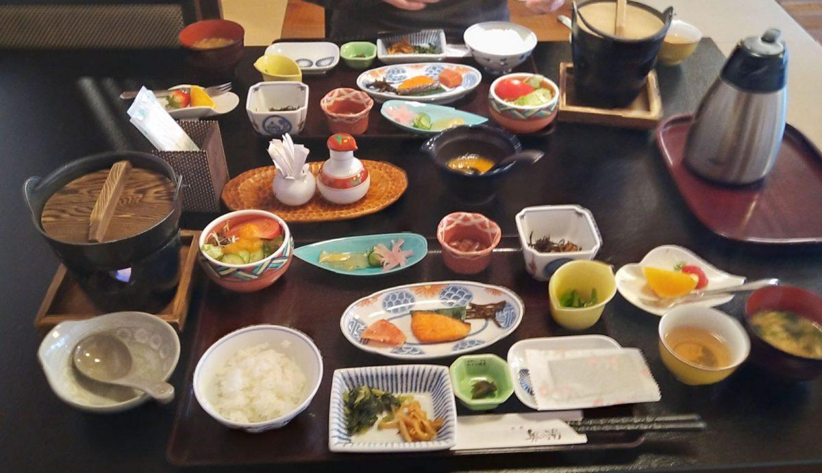 Kaiseki breakfast at Okunoyu